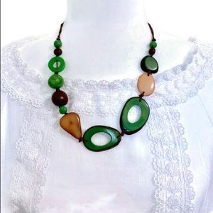 Adjustable Tagua Nut Necklace Set in Green
